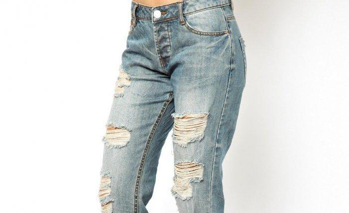 Делаем джинсы с дырками: как сделать художественные дыры на коленях?